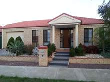 House - 5 Swinburne Close, Craigieburn 3064, VIC