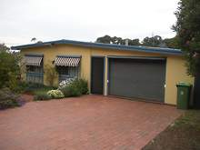 House - 10 Laughtons Road, Lakes Entrance 3909, VIC