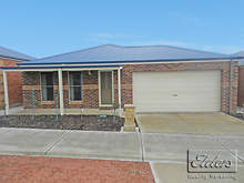 House - 8 Queen Street, Kangaroo Flat 3555, VIC
