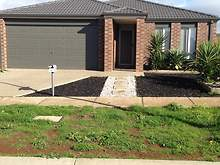 House - 10 Ryder Close, Bacchus Marsh 3340, VIC