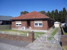 House - 86 Clinton Street, Goulburn 2580, NSW