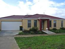 House - 11 Tilley Drive, Bacchus Marsh 3340, VIC