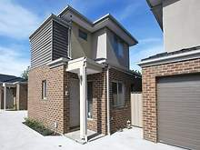 Townhouse - 3/126 St Vigeons Road, Reservoir 3073, VIC