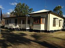House - 42 Oak Street, Chinchilla 4413, QLD