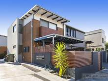 House - 2/30 Winsor, Merewether 2291, NSW