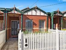 Townhouse - 102 Hall Street, Newport 3015, VIC