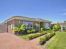 House - 39 Bainbridge Close, Craigieburn 3064, VIC