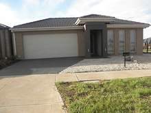 House - 11 Lone Pine Square, Bacchus Marsh 3340, VIC