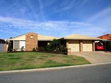 House - 6 Wisteria Place, Thornlie 6108, WA