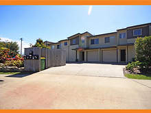 Townhouse - 3/13 Osterley Avenue, Caloundra 4551, QLD
