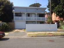 House - 25 Second Avenue, Broadbeach 4218, QLD