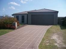 House - 25 Earl St Vincent Circuit, Eli Waters 4655, QLD