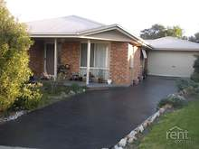 House - 1 Ashwood Court, Lakes Entrance 3909, VIC
