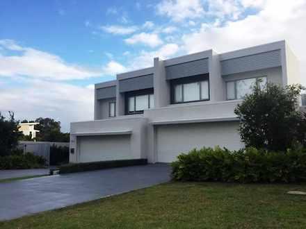 Villa - 7002B Vista Drive, ...