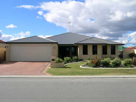 House - 15 Quandong Parkway...