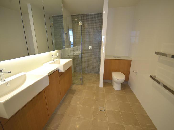 5302 metro  bath 1501055413 primary