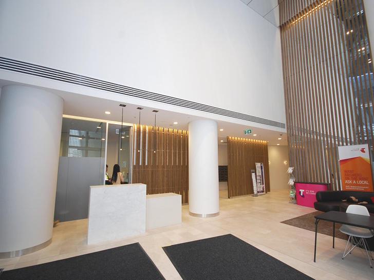 5302 metro  foyer 1501055449 primary