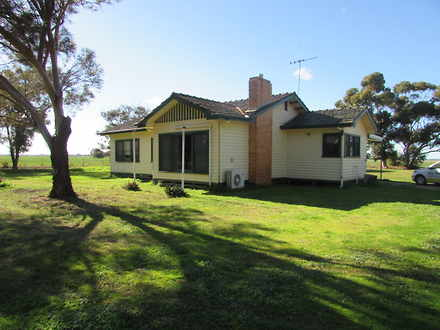 House - 831 Baillieu Road, ...