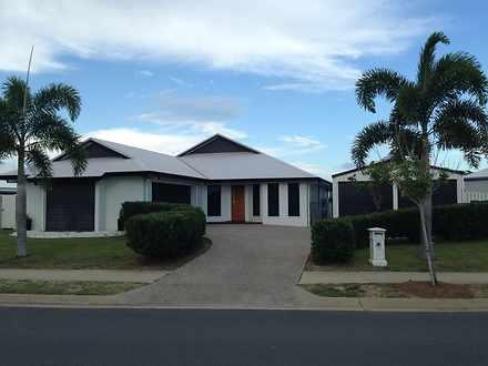 29 Whitehaven Drive, Blacks Beach 4740, QLD House Photo