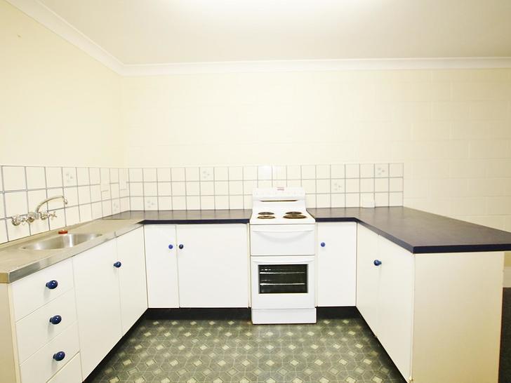 Apartment - 2/13 Capricorn ...