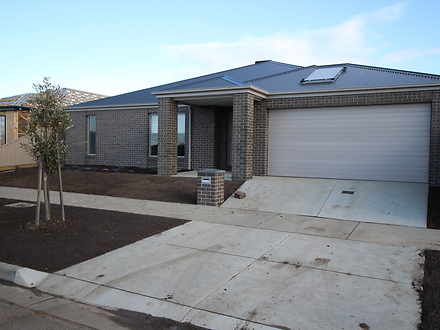 10 Anton Drive, Alfredton 3350, VIC House Photo