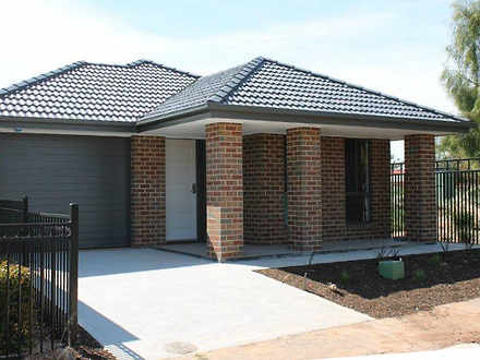 House - 8 Featherstone Stre...