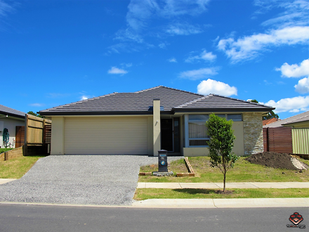 House - 49 Currawong Street...