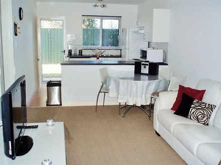 Apartment - 2/2 Dalziell St...