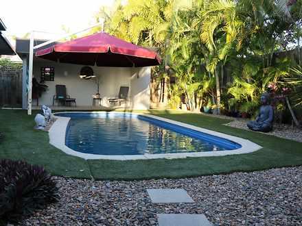 House - 8 Turtle Place, Bla...
