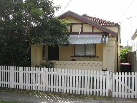 House - 17  Robinson Street...