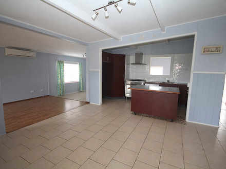 House - 60  Macleans Point ...