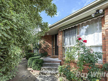 House - 2/21 Heywood Street...
