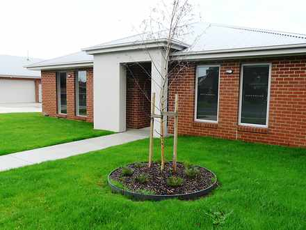 Townhouse - 4/10 Ashby Stre...
