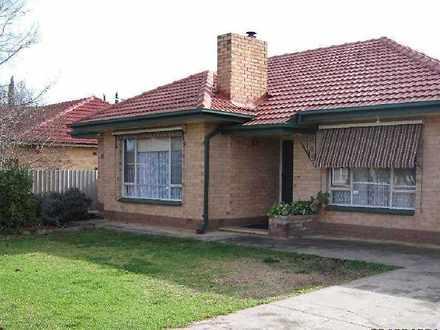 House - 11 Winzor Street, S...