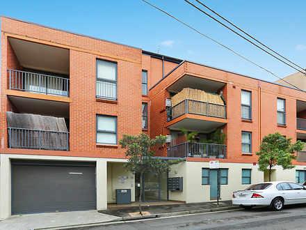Apartment - 10/6-10  Purkis...