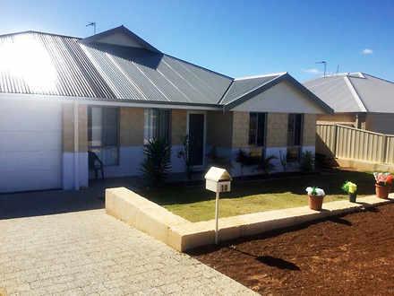 House - 10 Swordfish Vista,...