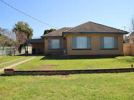 House - 25 Higgins Avenue, ...