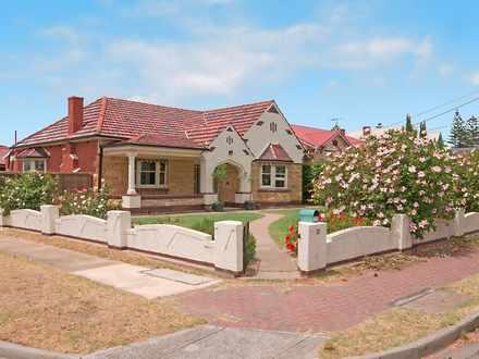 House - 132 East Terrace, H...
