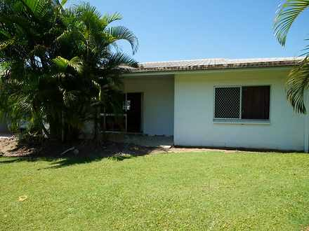 Unit - 2/13 Cairns, Tully 4...