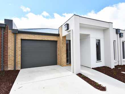 House - 15 Monash Place, Ca...