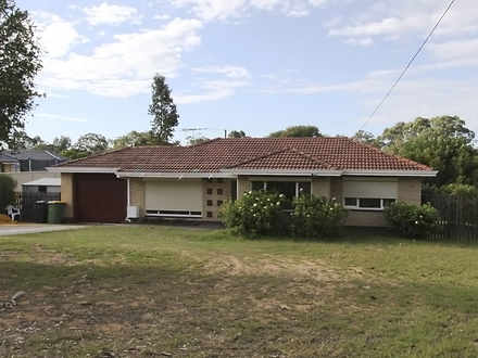 House - 30 Heylmore Road, M...