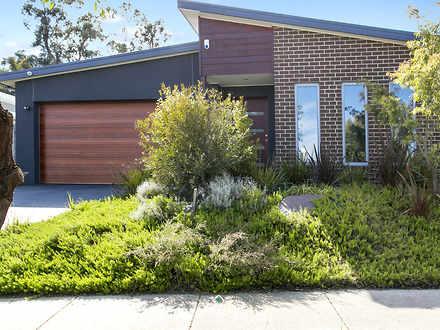 House - 10 Warrenwood Place...