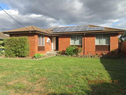 House - 19 Buckingham Cresc...