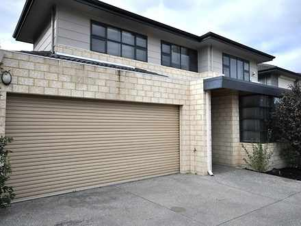 House - 2/20 Wallace Street...