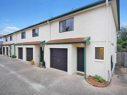 House - 1/18 Melville Court...