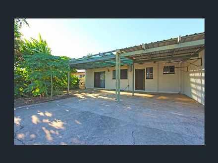 Unit - 2/3 Manunda Terrace,...
