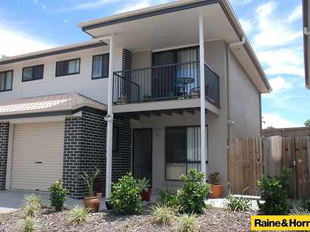 Townhouse - 1/54 Outlook Pl...