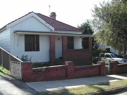 House - 16 Queen Street, Cr...