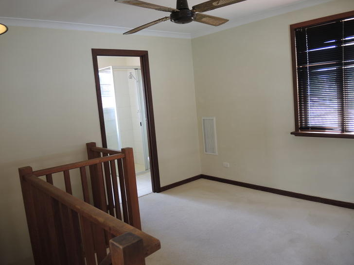 Upstairs 1508841377 primary