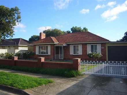House - 2 Lorne Avenue, Bla...